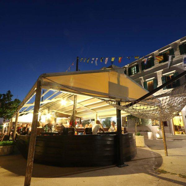 open ship restaurant orebic