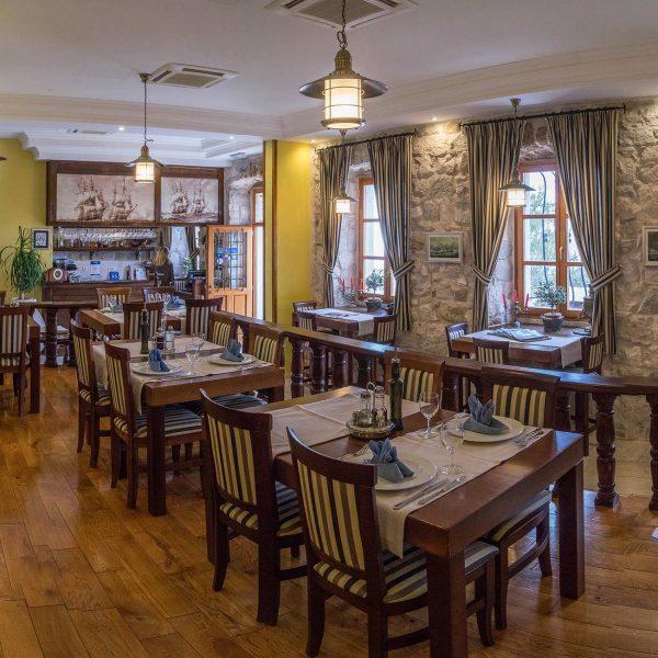 restaurant inside hotel adriatic